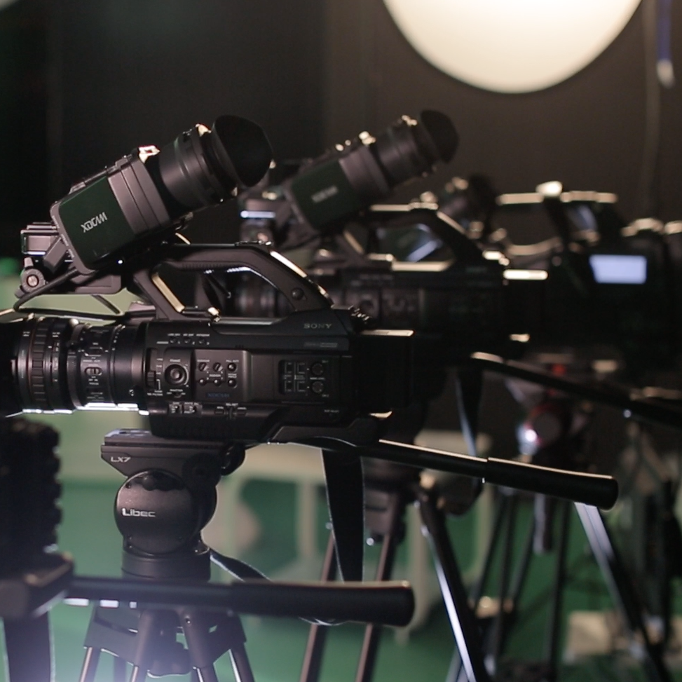 Cameras, Editing, Sound, Lighting and Broadcasting equipment rentals, with or without service technicians and drivers.